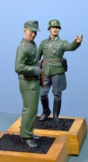 Wermacht Field Commander and Panzer Crewman, 1:16